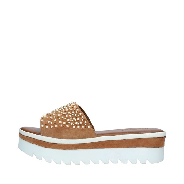 INUOVO Shoes Women  With wedge COCONUT 8202